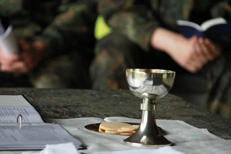 An Gründonnerstag feiern Christen das Gedächtnis an das letzte Abendmahl Jesu mit seinen Jüngern © KS / Barbara Dreiling