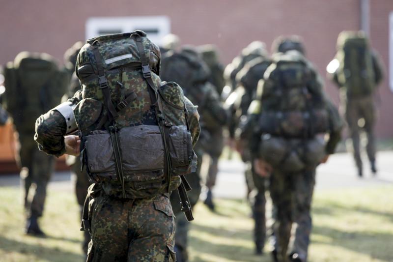Wer ist der Mensch neben mir und was wünscht er sich von mir? © Bundeswehr / Torsten Kraatz