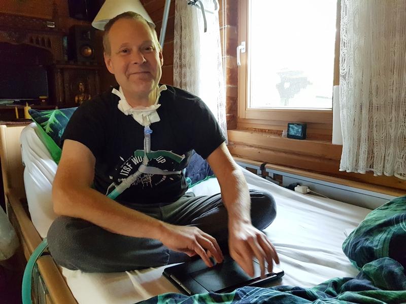 Von zu Hause aus organisiert Engelbert Diegmann das Sponsoring der Kickertische © KS / Barbara Dreiling